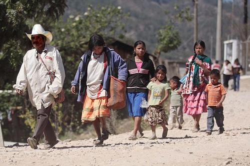 Ind'genas Mixtecos en Cochoapa El Grande